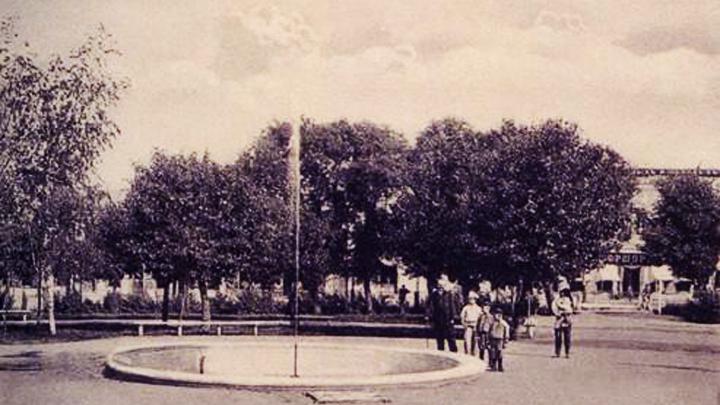 Лето 1877 года. В Кольцовском сквере появился один из первых городских фонтанов