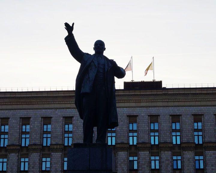 80% воронежцев хотели бы сохранить памятник Ленину на главной площади города