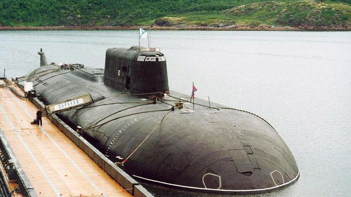 Апрель 1993 года. Именем «Воронеж» назван атомный подводный ракетоносный крейсер