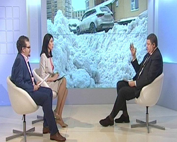 У мэрии нет прямых рычагов воздействия на управляющие компании, которые не убирают снег