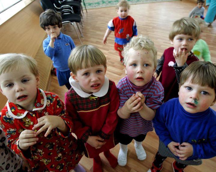 Факты: Воспитание приёмных детей хотят приравнять к работе