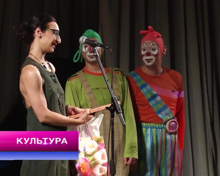 Картины Елены Киселёвой, театральная премия «Браво» и премьера в ТЮЗе
