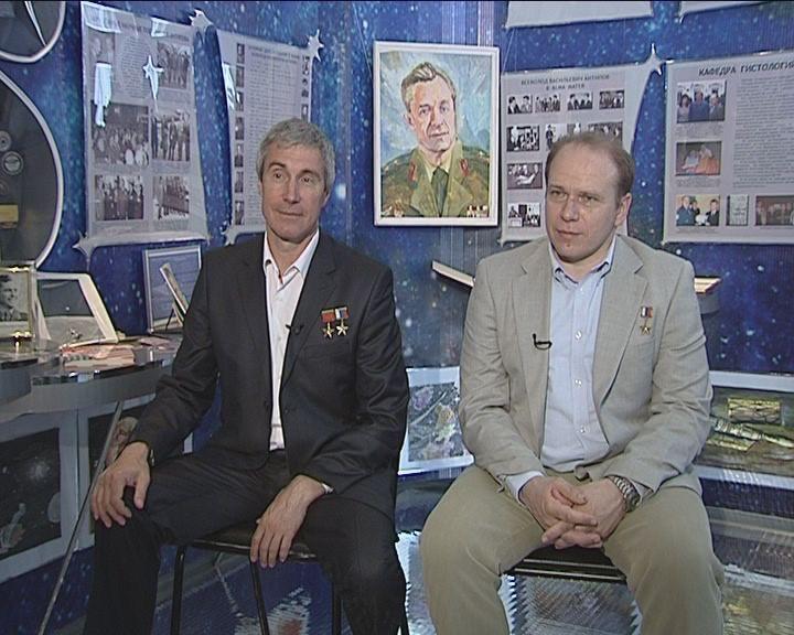 Вести-Интервью от 03.06.2014 с Сергеем Крикалевым и Олегом Котовым
