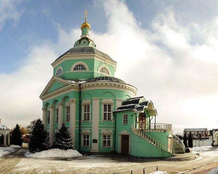 В феврале 1620 года основан Алексеевский Акатов мужской монастырь