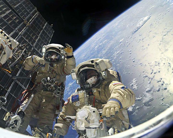 Астрономом можешь и не быть, но космонавтов знать обязан